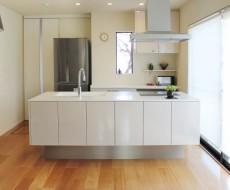 キッチンのI字型・L字型・対面型・アイランド型ってどんな形?